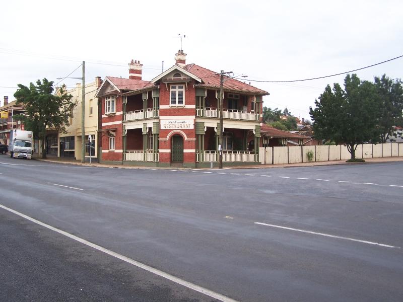 Murrumburrah Australia  City pictures : Imposing Concrete Silos. West Wyalong