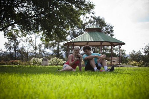 Weir_Reserve-Gazebo-Couple-2