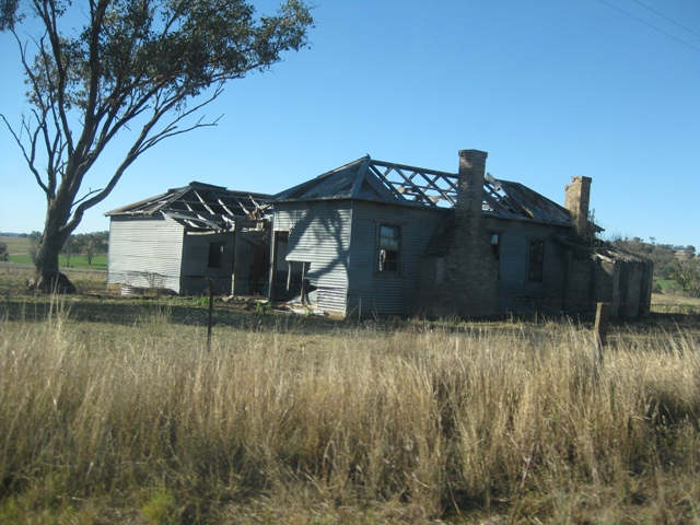 Disused House btwn Cumnock and Yeoval