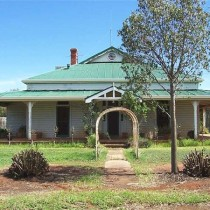 Homestead Surrounded by Wheat Crop. Condobolin