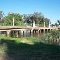 Camp Street Bridge. Forbes