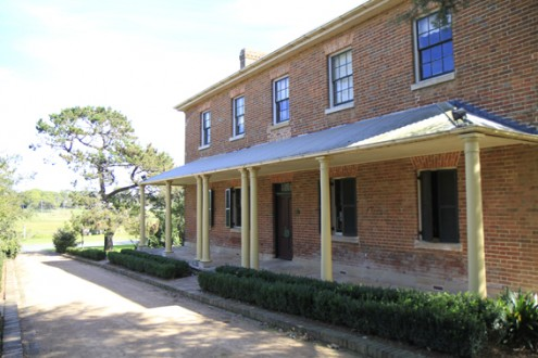 screen central menangle house 2